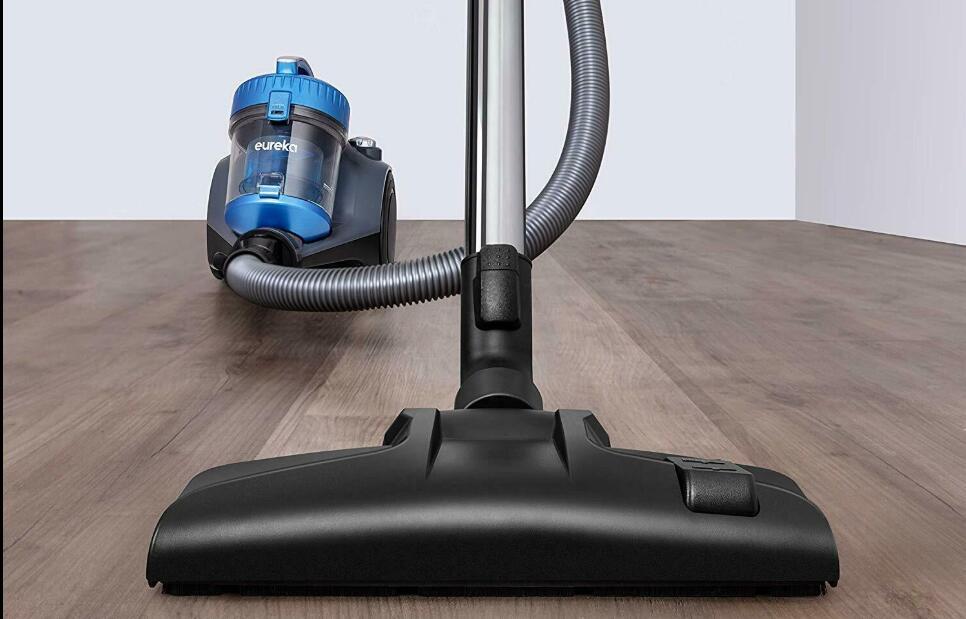 Canister Vacuums do better on hardwood floors