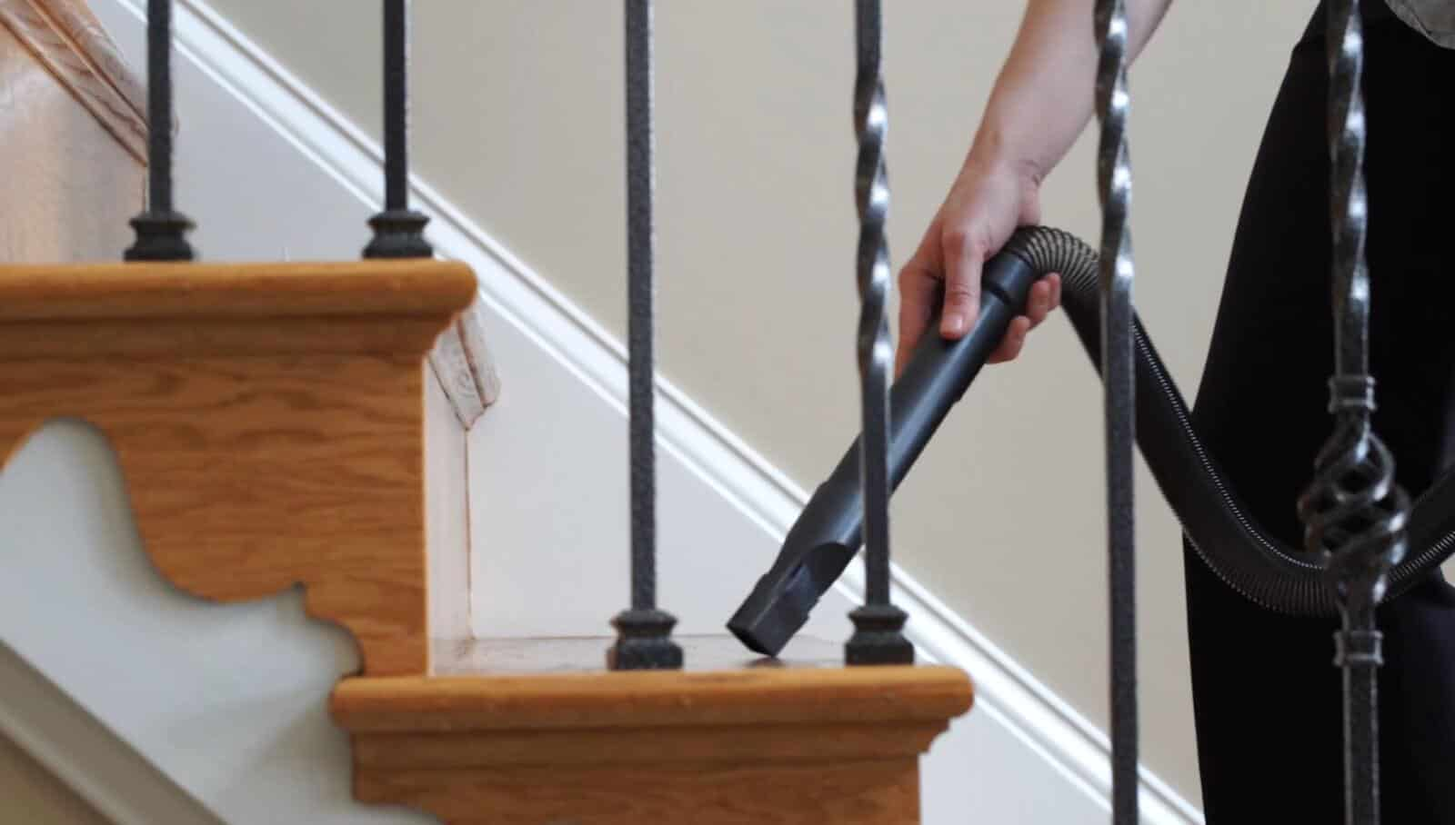 Canister Vacuums perform better on stairs