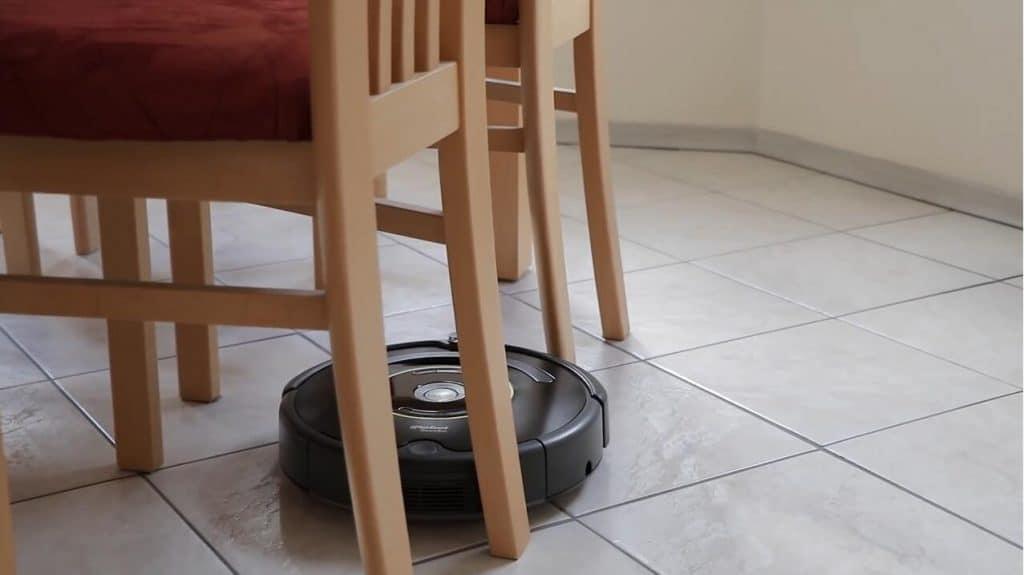 iRobot Roomba 650 vacuum cleaner for pet hair