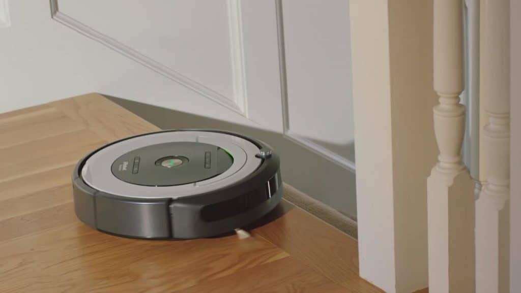 iRobot Roomba 690 robotic vacuum cleaner