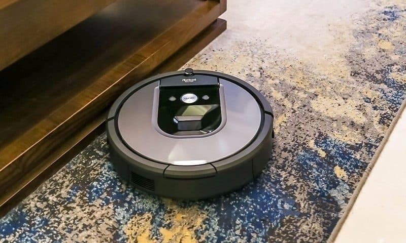 iRobot Roomba 960 robot vacuum cleaner for carpet