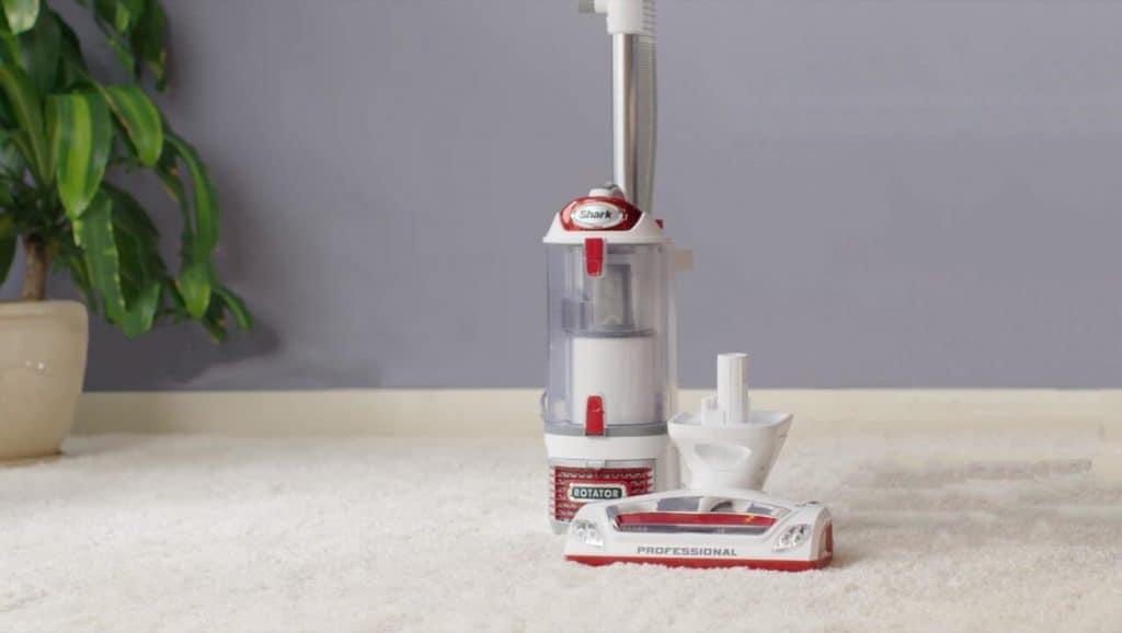 shark nv501 vacuum cleaner for hardwood floors and pet hair