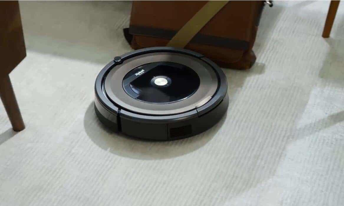 How to Tell if Roomba is Charging