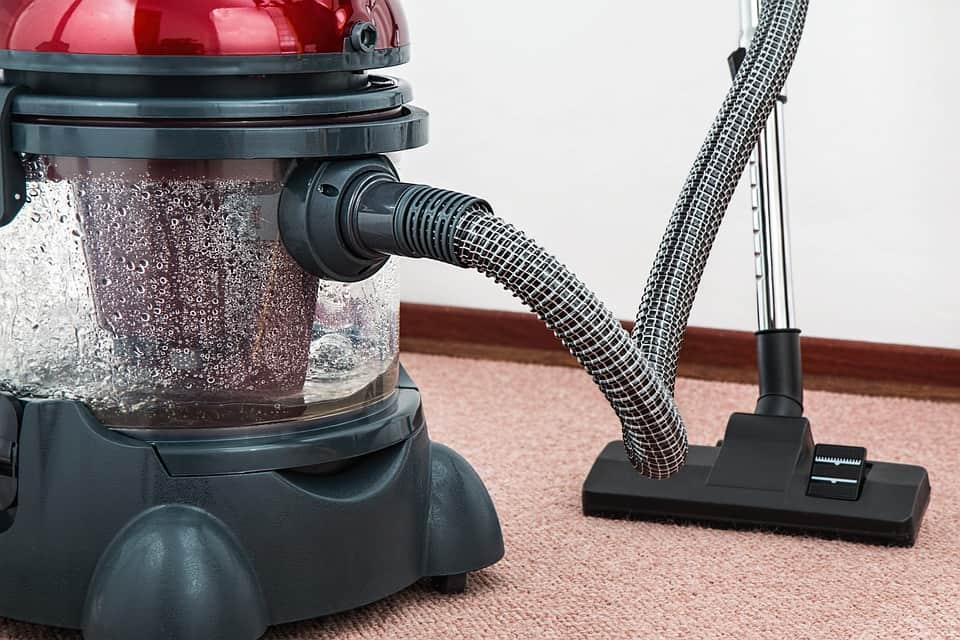 How to Use a Wet Dry Vacuum Cleaner
