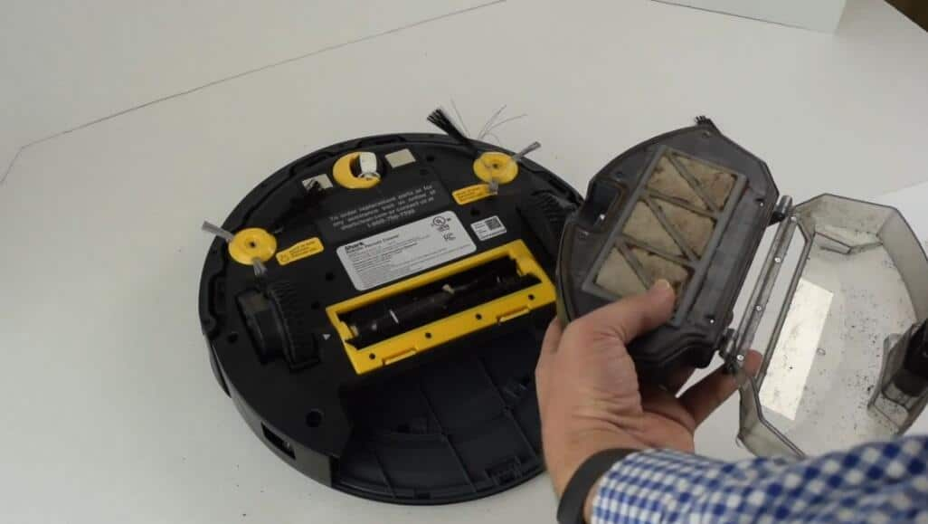 robotic vacuum filtration