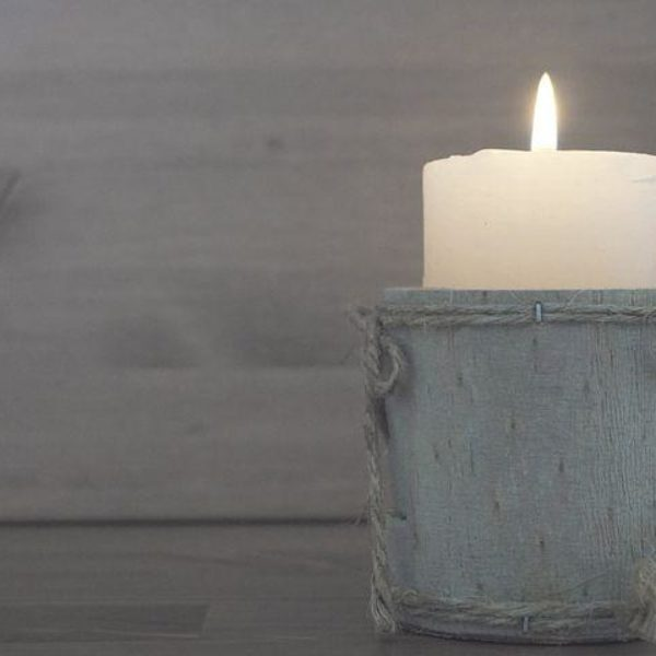DIY Homemade Aromatherapy Candles to Improve Sleep